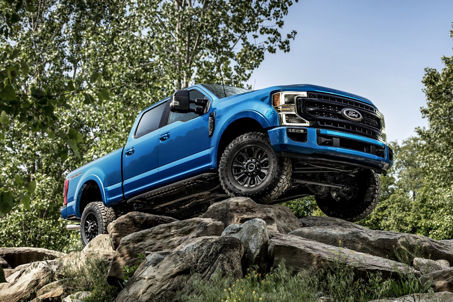 2020 Ford Super Duty parked on rocks