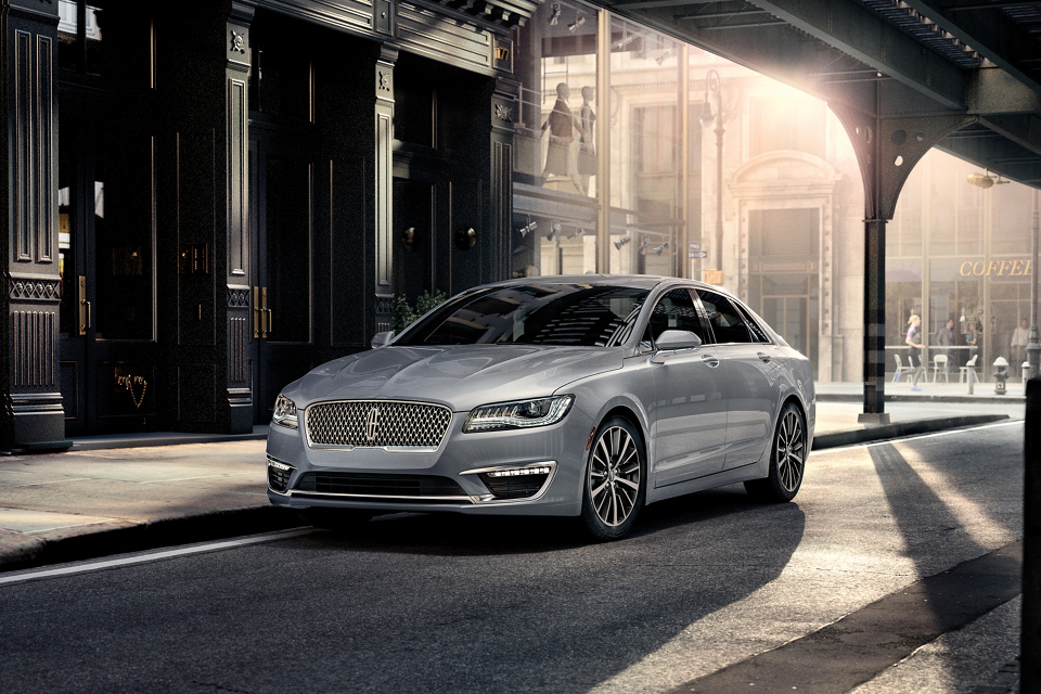 2020 Lincoln MKZ Parked on Street