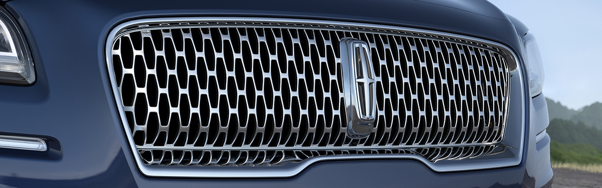 2020 Lincoln Nautilus - Close-Up Of Lincoln Grill