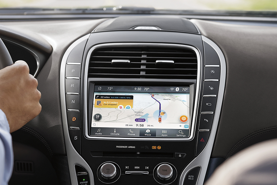 2020 Lincoln Nautilus - Waze App On Touch Screen Display