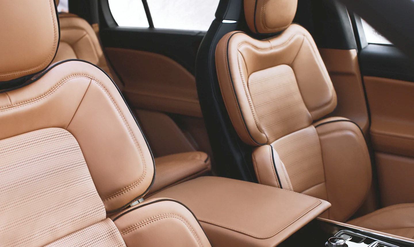 2021 Lincoln Aviator Leather interior seats with Active Motion