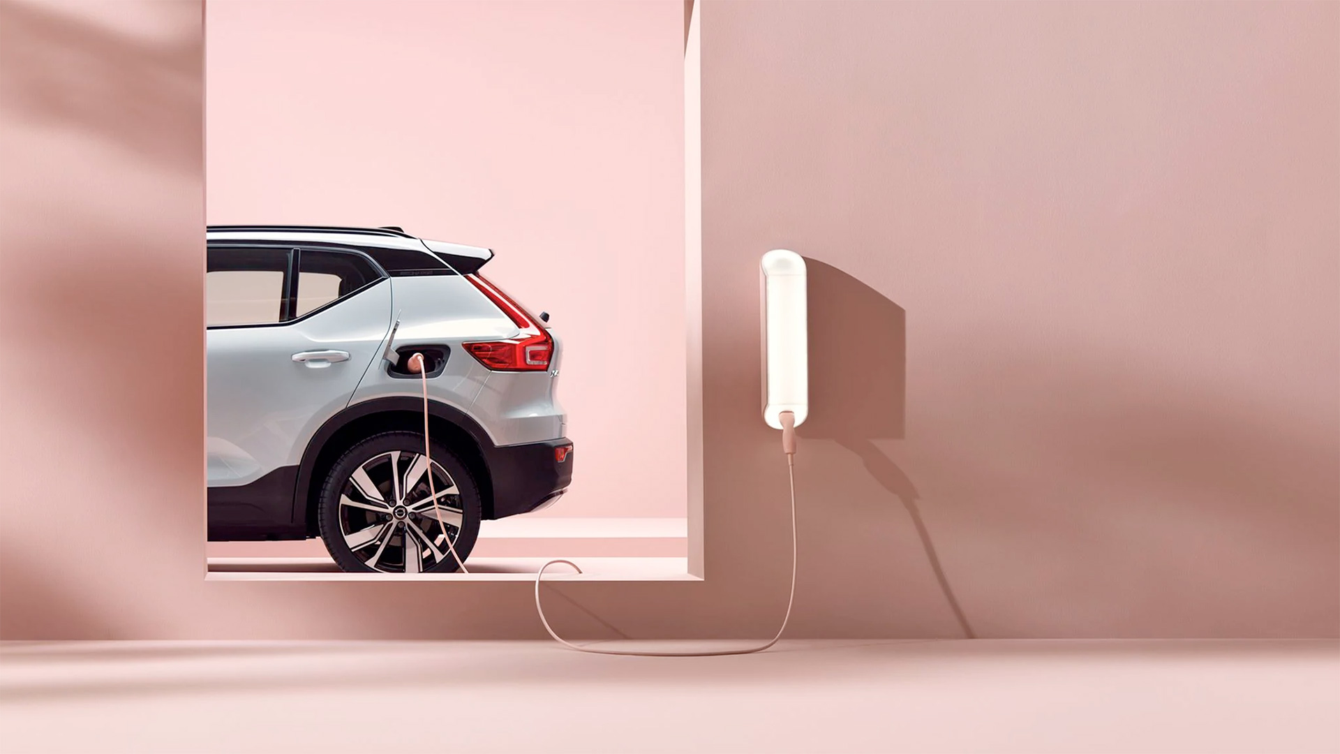 Volvo XC40 Recharge at charging station